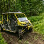 Defender MAX Xmr – Carbon black _ sunburst yellow – Trail riding 3